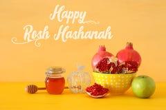 Rosh hashanah & x28; żydowski nowego roku holiday& x29; pojęcie symbole tradycyjni obrazy royalty free