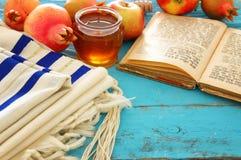Rosh hashanah & x28; żydowski nowego roku holiday& x29; pojęcie symbole tradycyjni fotografia stock