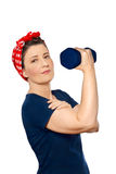 Rosie di sollevamento del peso della donna isolato fotografia stock