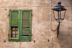 Rosignano Marittimo, зеленый цвет Тосканы, Ливорно - Windows Стоковые Изображения RF