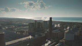 ROSIGNANO SOLVAY, ITALIË - JANUARI 2, 2019 Satellietbeeld van het verontreinigen Solvay S A Chemische fabriek stock footage