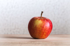 Rosigt äpple Arkivfoto