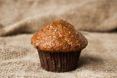 Rosinen-Kleie-Muffin stockfoto