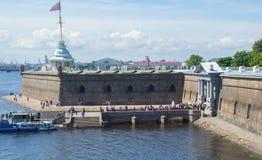 Rosja świętego Petersburg Lipiec 2016 Marina Peter i Paul forteca Zdjęcia Stock