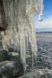 Rosja, Baikal jezioro Maloe morze Lodowi sople na Olkhon wyspie blisko Uzury wioski Zdjęcia Royalty Free