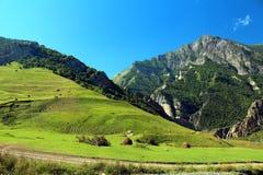 Rosja Kabardino-Barkar republika majestatyczne góry Północny Kaukaz! mnóstwo turyści od Rosja i cudzoziemski countri, zdjęcie royalty free