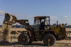 Rosja, Kazan, może 1, 2018, budowa ciągnik, artykuł wstępny fotografia royalty free