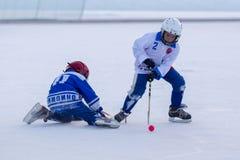 ROSJA, KRASNOGORSK - MARZEC 03, 2015: faz końcowych children liga hokejowa bandy, Rosja Obraz Stock