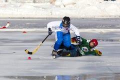 ROSJA, KRASNOGORSK - MARZEC 03, 2015: faz końcowych children liga hokejowa bandy, Rosja Zdjęcie Stock