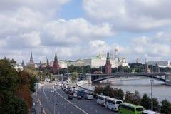 Rosja moscow Kreml miasta krajobrazu noc znaleźć odzwierciedlenie rzeki Zdjęcia Stock