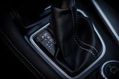 ROSJA MOSKWA, LUTY, - 26, 2017 INFINITI Q50 S sedanu samochód, wewnętrzny widok Zdjęcia Stock