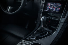 ROSJA MOSKWA, LUTY, - 26, 2017 INFINITI Q50 S sedanu samochód, wewnętrzny widok Obraz Royalty Free