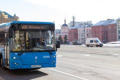 Rosja, Moskwa: Miasto autobus na Lubyanka kwadracie Zdjęcia Stock