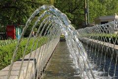 Rosja, Moskwa, sokolniki park, lata fontanna fotografia fotografia stock