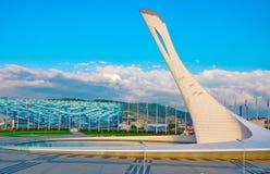 Rosja, Października 2 2018 Sochi Olimpijski park - Śpiewacka fontanny pochodnia w Imeretian kurorcie zdjęcie stock