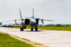Rosja, Perm, Czerwa 2014 samolotu wojskowego naddźwiękowy interceptor MiG-31 przy festiwali/lów skrzydłami Parma - 2014 w Perm pr obraz stock