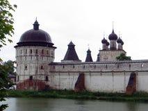 Rosja rostov Rostovsky Borisoglebsky monaster Południowa defensywy ściana Drewniany zegarka wierza Zdjęcia Stock