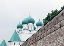 Rosja rostov Rostovsky Borisoglebsky monaster Południowa defensywy ściana Drewniany zegarka wierza Obrazy Stock