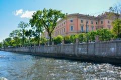 Rosja, St Petersburg lata czasu sceniczny widok obrazy royalty free