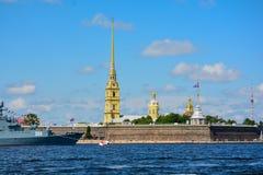 Rosja, St Petersburg lata czasu wojska statek fotografia royalty free