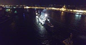 Rosja, St Petersburg, Lipiec 16, 2016: powrót krążownik zorza miejsce wiecznie parking w morskim zdjęcie wideo