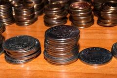 Rosjanin monety brogować na stole zdjęcie stock
