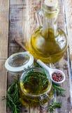 Rosmarini dell'olio d'oliva conditi Immagine Stock Libera da Diritti