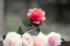 Rosor som göras av tyg Arkivbild