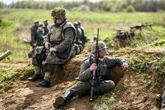 Rosowek,波兰, 2017年4月23日:在1945年Stettin的历史重建争斗,反对Wehrmacht的红军在Rosowek 免版税库存照片