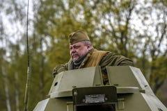 Rosowek,波兰, 2017年4月23日:在1945年Stettin的历史重建争斗,反对Wehrmacht的红军在Rosowek 库存照片