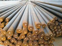 Rosqueamento da espera das barras de aço principal e da cauda foto de stock royalty free