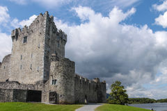 Ross Castle i Killarney Royaltyfri Foto