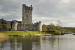 Ross Castle Ierland in Killarney, Provincie Kerry Stock Afbeeldingen