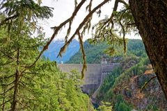 Ross Dam i nord applåderar nationalparken royaltyfria bilder