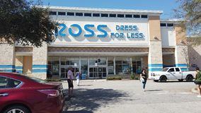 Ross Dress voor Minder Opslagteken en Opslag in Davenport Florida stock footage