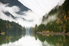 Free Ross Lake In Autumn Royalty Free Stock Image - 46060156