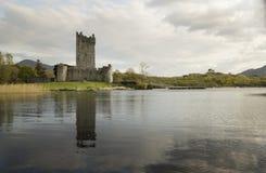Ross-Schloss nahe Killarney, Irland stockbild
