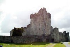 Ross slott Caislean Ross Killarney Ireland Royaltyfri Bild