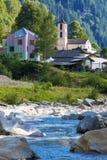 Rossa村庄的看法在Grisons的 免版税库存图片