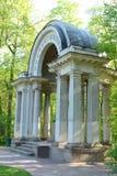 Rossi亭子在Pavlovsk公园 免版税库存照片