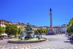 Rossio för springbrunn för kolonnPedro dropp fyrkant Lissabon Portugal Royaltyfri Foto
