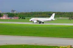 Rossiya航空公司空中客车A319-112航空器在普尔科沃国际机场在圣彼德堡,俄罗斯 库存图片