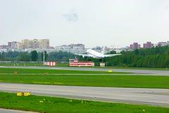 Rossiya航空公司空中客车A319-112航空器在普尔科沃国际机场在圣彼德堡,俄罗斯 免版税库存图片