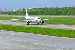 Rossiya航空公司空中客车A319-111航空器在普尔科沃国际机场在圣彼德堡,俄罗斯 图库摄影