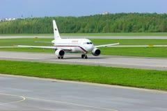 Rossiya航空公司空中客车A319-111航空器在普尔科沃国际机场在圣彼德堡,俄罗斯 库存图片