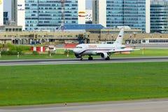 Rossiya航空公司空中客车A319-113航空器在普尔科沃国际机场在圣彼德堡,俄罗斯 免版税图库摄影