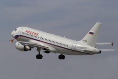 Rossiya de départ - avion russe d'Airbus A319-111 de lignes aériennes Images libres de droits