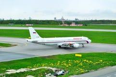 Rossiya linii lotniczych Aerobus A320-214 samolot w Pulkovo lotnisku międzynarodowym w Petersburg, Rosja Fotografia Royalty Free