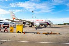 Rossiya linii lotniczych samolot w Pulkovo lotnisku Obraz Royalty Free