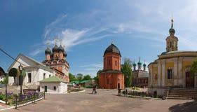 Rossiya V Vysokopetrovsky kloster i Moskva Royaltyfri Foto